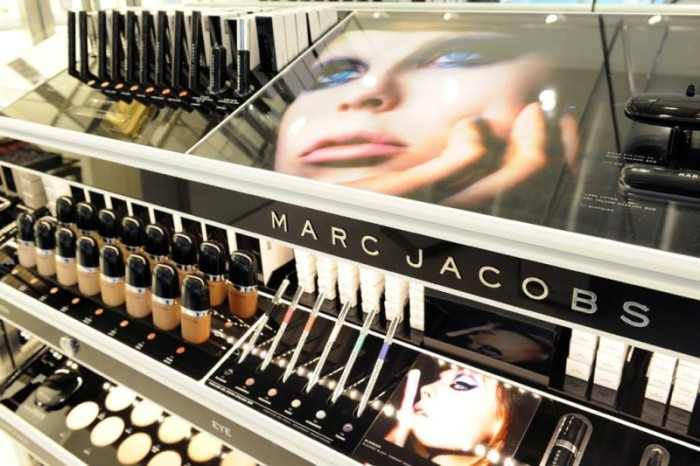 Marc_Jacobs_Beauty_store_3-800x533
