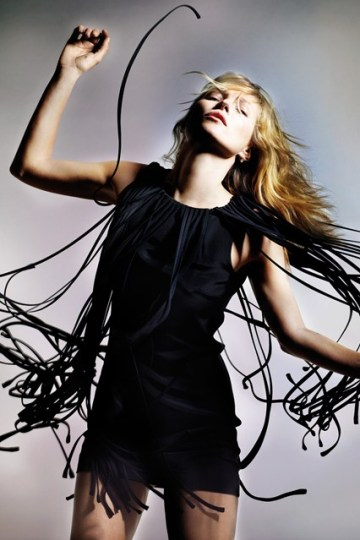 kate-moss-for-topshop-spring-summer-2014-campaign-1-vogue-8april14-pr_426x639